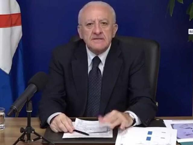 """De Luca: """"Nel governo ci sono ministri perbene ma anche tangheri e sciacalli…"""". E ringrazia Speranza, Lamorgese e Patuanelli"""