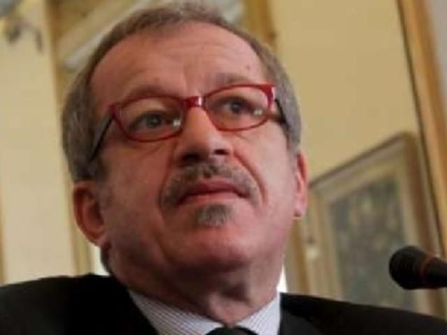 Lamorgese chiama Roberto Maroni a presiedere la Consulta contro il caporalato