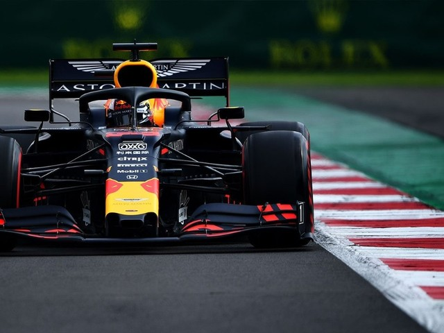 F.1, GP del Messico - Verstappen in pole davanti alle Ferrari