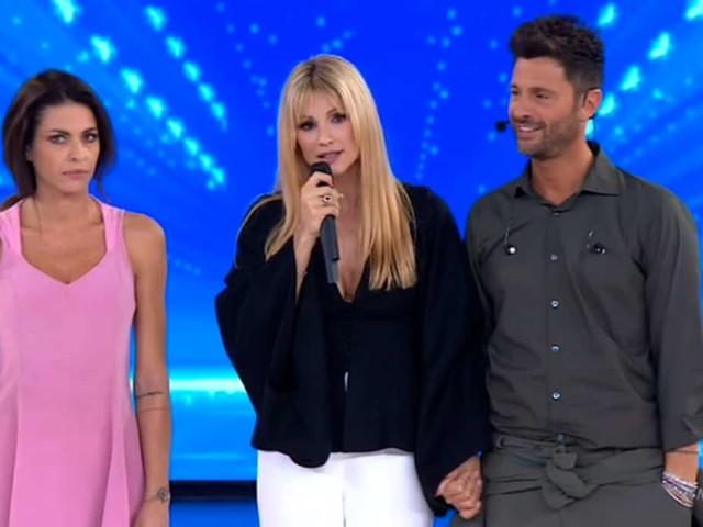 Filippo Bisciglia terzo classificato ad Amici Celebrities: ha perso la sfida con Pamela Camassa | video Witty tv