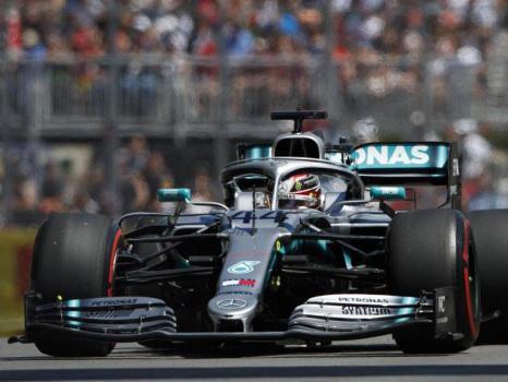 """F1, Hamilton vince in Russia davanti a Bottas. Terzo Leclerc """"beffato"""" da Vettel"""