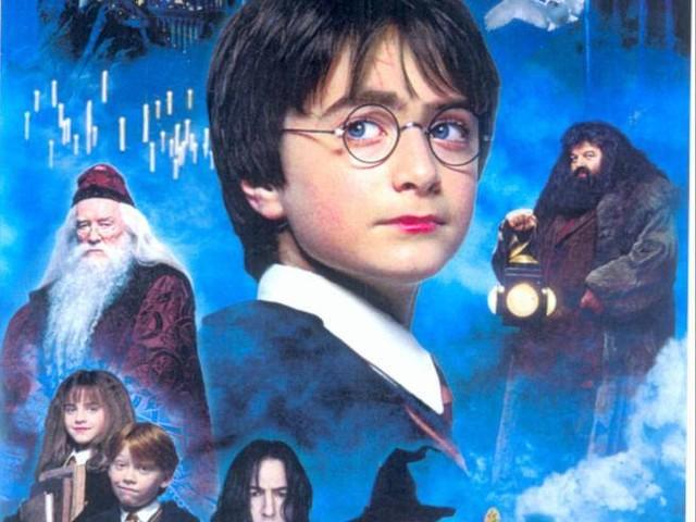 Coronavirus, Rowling lancia «Harry Potter at home», per portare magia ai piccoli a casa