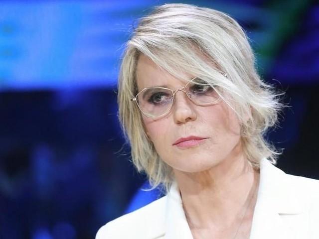 "Maria De Filippi ""Carrà icona gay? Icona e basta""/ ""Dio esiste, perché non dovrebbe?"""