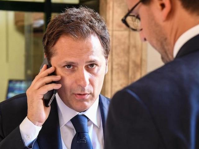 """M5S: """"Salvini stacca la spina per bloccare le indagini su Siri"""""""