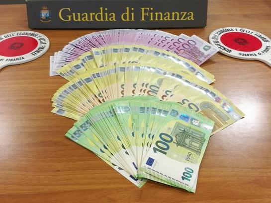 Vipiteno: fermato 46enne con 95mila euro nell'auto per contrabbando di valuta