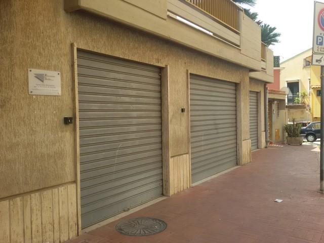Con il centro per l'impiego anche lo sportello INPS e la sede di Riscossione Sicilia. Ma è tutto fermo per un cambio di destinazione d'uso