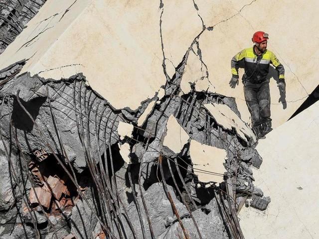 Strage sul ponte, autostrade per l'Italia finisce sotto accusa: rinviati i lavori urgenti