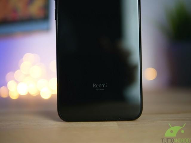 Redmi Note 7 Pro: sensore per le impronte digitali nel display e altri dettagli in una simpatica immagine
