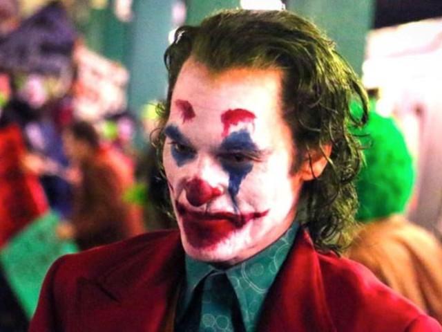 """A Venezia matti per """"Joker"""", impareggiabile specchio dei nostri tempi"""