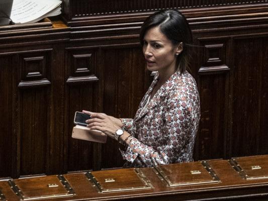 Mara Carfagnaè sempre più vicina all'addio a Forza Italia
