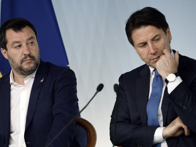 """Salvini adesso sfida Conte: """"Ministri nuovi o si va al voto"""""""