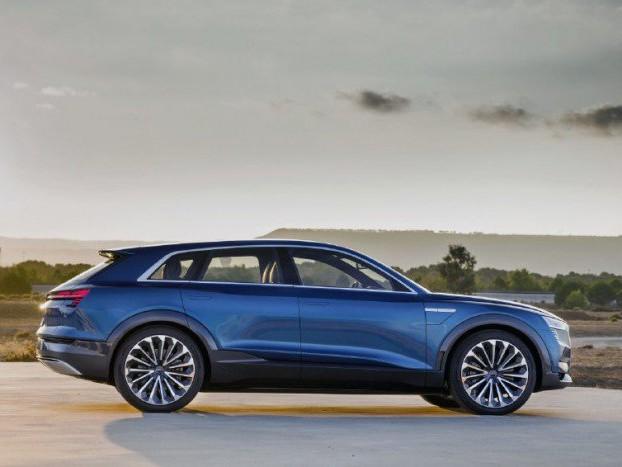 Audi e-tron: in Italia si ricaricherà con Enel