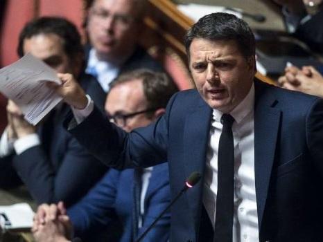 """Renzi: """"No al voto subito, prima governo istituzionale"""". Scontro con Zingaretti"""
