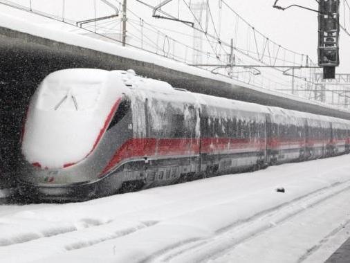 Treni bloccati dal ghiaccio, lunedì nero per le ferrovie trentine