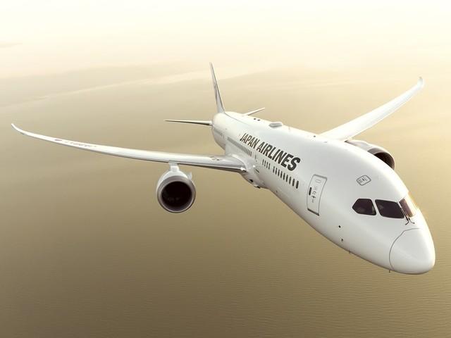 La strategia di Japan Airlines, i viaggiatori potranno prenotare posti lontani dai bambini