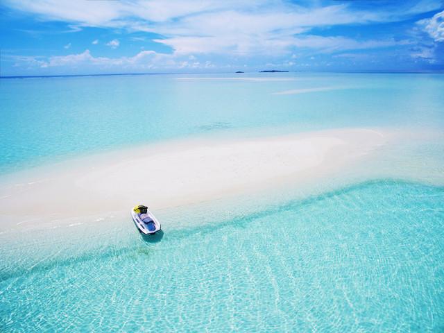 Maldive in pensione completa: volo diretto a/r + 7 notti in favoloso lodge sulla spiaggia da 743€!