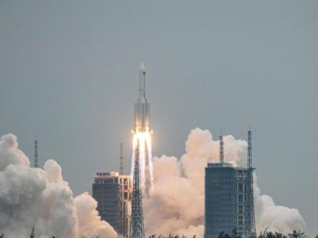 Frammento razzo Lunga Marcia 5B in caduta: sulla possibile traiettoria anche l'Italia