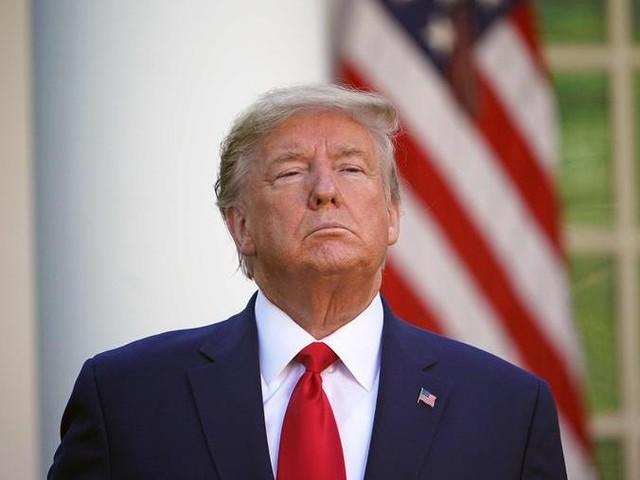 La pandemia da coronavirus ha aumentato la popolarità di Trump e Johnson
