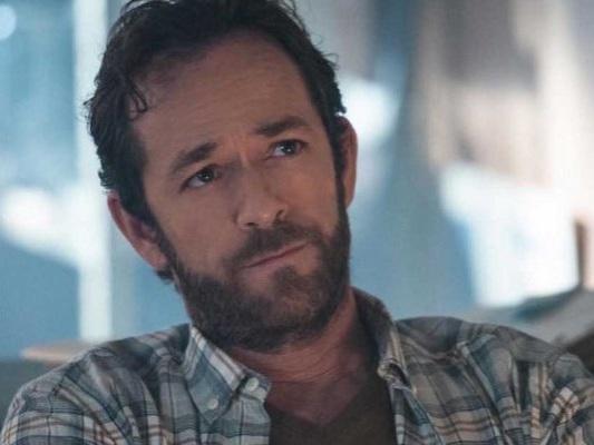 """Luke Perry: Riverdale 4 sarà """"un tributo al nostro amico caduto"""""""