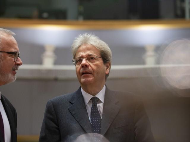 """Gentiloni si sbilancia: """"Flessibilità per l'Italia"""". Ma l'Europa ci boccia"""