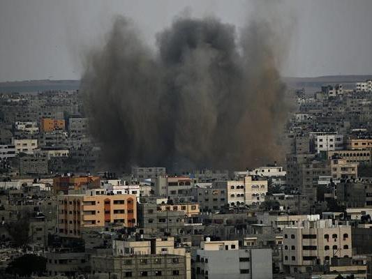 Gaza: dopo razzi, colpiti 15 obiettivi di Hamas