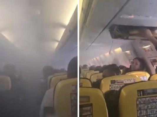 Aereo Ryanair costretto a fare un atterraggio d'emergenza