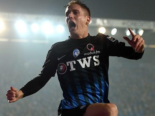Milan, Andrea Conti mette un 'like' alla nuova maglia rossonera: accordo vicino?
