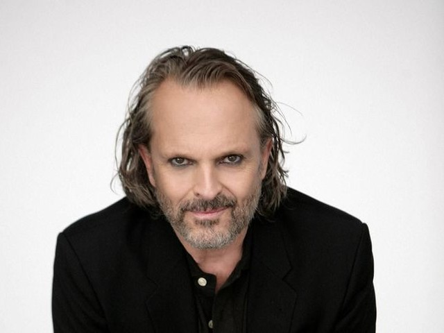 Miguel Bosé: 10 duetti da alta classifica