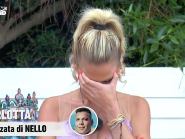 """""""Temptation Island"""", Nello porta in barca la single Benedetta e Carlotta sbotta: """"Lo odio"""""""