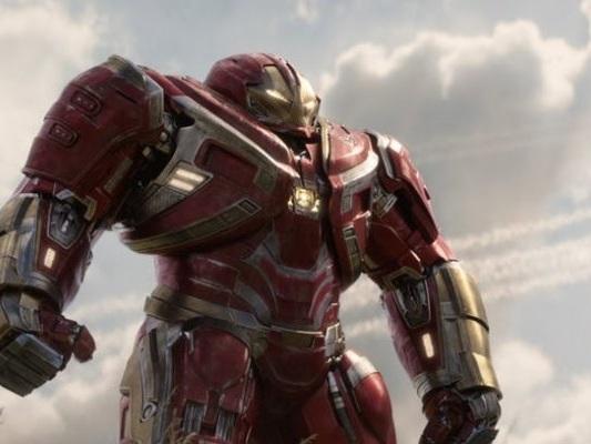 Avengers: Endgame, nel nuovo poster torna l'Hulkbuster!