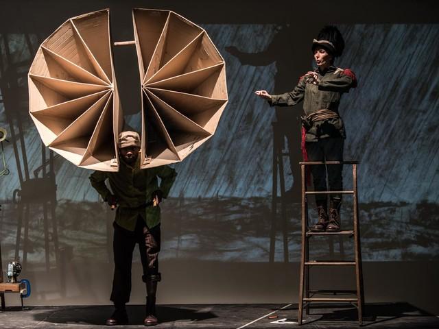The Head & the Load. La performance di William Kentridge a Londra