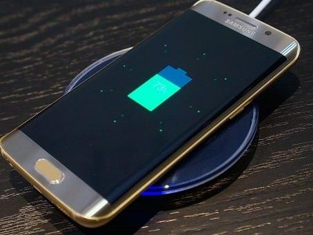 Ufficiale in Italia il primo aggiornamento Samsung Galaxy S6 Edge di luglio: download XXS5EQG1
