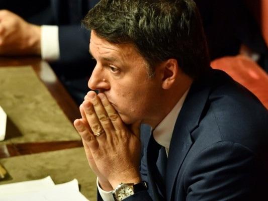 Renzi ha fermato la raccolta firme contro Salvini