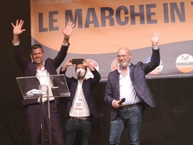 """Bonaccini e Mangialardi insieme a Civitanova, appello agli indecisi: """"Non regaliamo le Marche ai sovranisti"""" (FOTO)"""