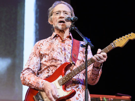 È morto Peter Tork, ex battista e tastierista dei Monkees