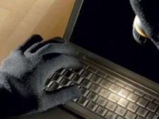 Ladri in azione in una scuola di Frigento: rubati 7 computer