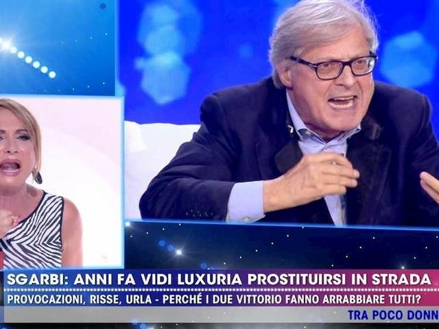 """Live Non è la D'Urso. Lite Sgarbi-Luxuria: """"Lo hai detto tu che ti prostituivi. Non mi rompere il ca…"""""""