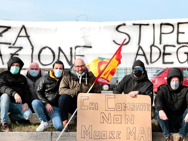 """La protesta dei lavoratori di Interporto Trieste Spa: """"Vogliamo più sicurezza e uno stipendio adeguato"""""""