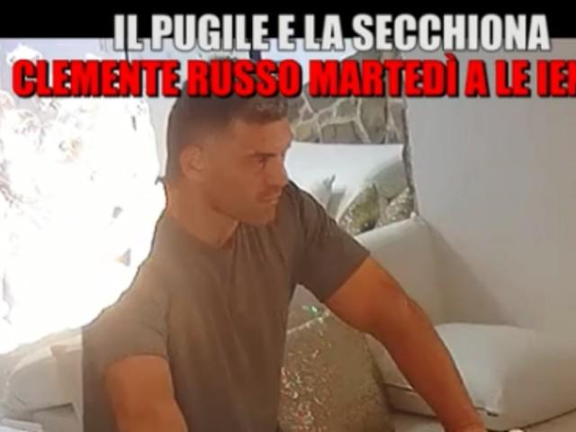 """CLEMENTE RUSSO VIDEO SCHERZO LE IENE/ La figlia """"secchiona"""" irrita il pugile..."""