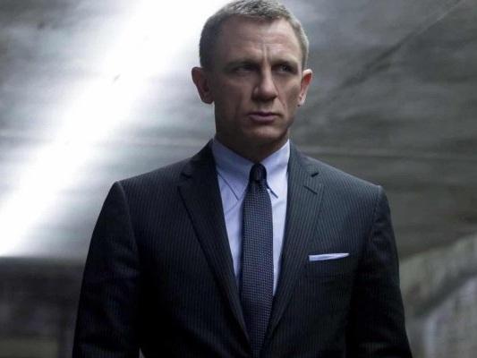 Bond 25: microcamera nascosta in un bagno sul set, arrestato un sospetto
