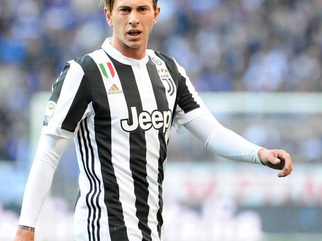 Juventus, ripresi gli allenamenti: cure per Bernardeschi, in dubbio per la Spal