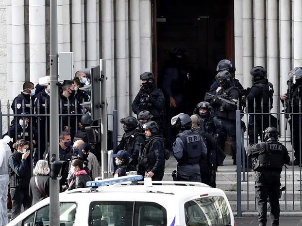 Nizza: Macron, militari antiterrorismo da 3mila a 7mila