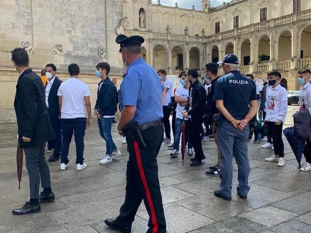 Lecce, fidanzati uccisi in via Montello, il vescovo all'assassino: 'Si costituisca'