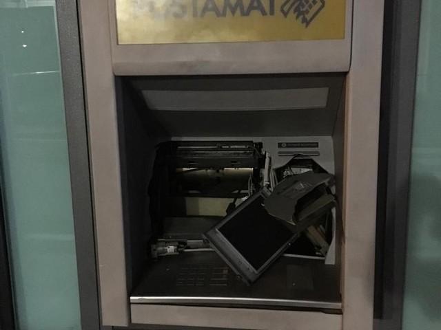 Fanno saltare il bancomat alla Rurale di Ospedaletto: bottino di 20mila euro