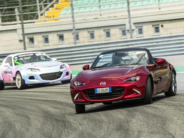 Mazda porta il drifting a Monza con la MX-5