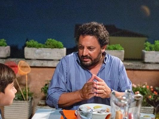 """Tutta un'altra vita, Enrico Brignano: """"Facciamo storie in cui la gente si possa riconoscere"""""""