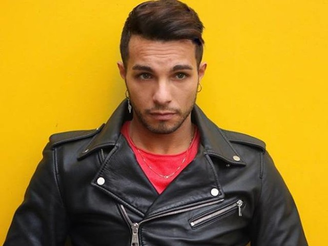 Marco Carta arrestato per furto a Milano: rubate t-shirt per 1200 euro alla RinascenteDa Amici al coming out: chi è