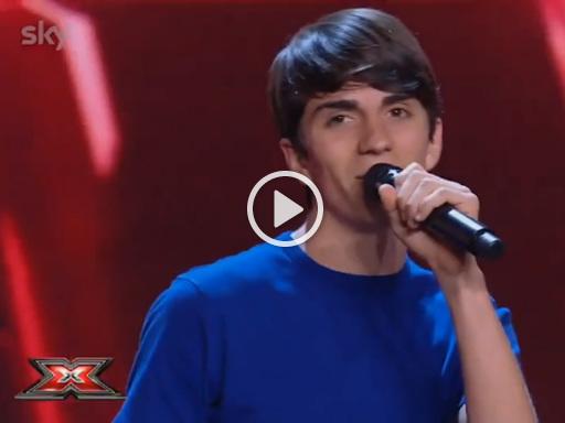 A X Factor Emanuele presenta «Carote» e diventa subito il nuovo tormentone virale