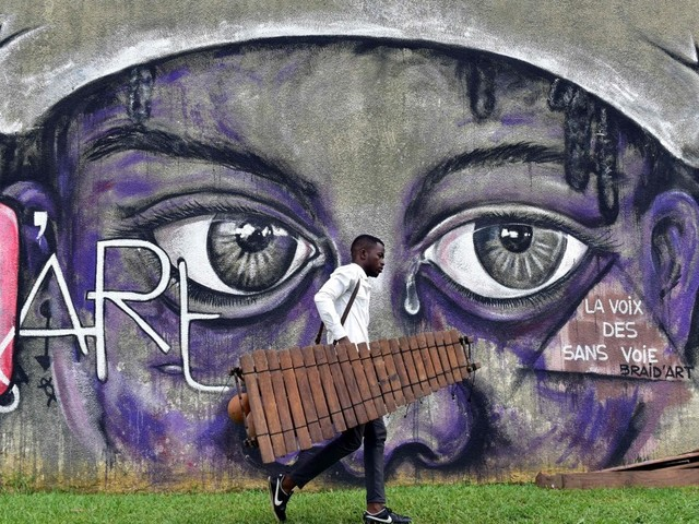 Vescovi Costa D'Avorio: circolano troppe armi, dialogare per evitare violenze