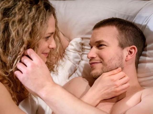 Tempesta d'amore, trame al 23 aprile: Franzi e Tim cedono alla passione